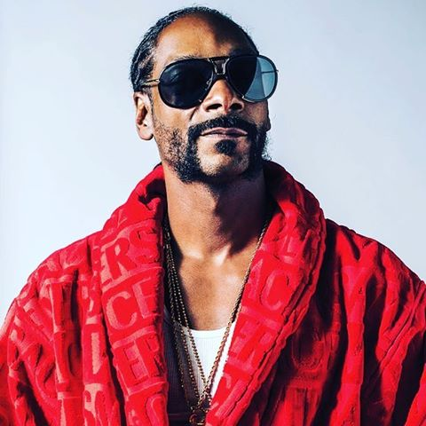 @snoopdogg on Police Violence, Trump, New Martha Stewart Show - Photo:@rollingstone http://ow.ly/Hfdt304dZqG #Frontera • • • • • • • #Cannabis #Cannabusiness #Snoop #SnoopDogg #WizKhalifa #HighRoadTour #Weed #Kush #Concert #Tour #Mary+Jane #MerryJane #MarthaandSnoop #DinnerParty #Law #Legal #Police #Coolaid