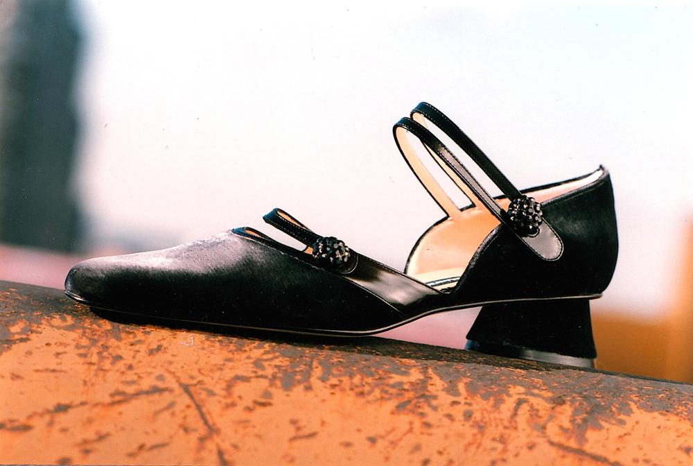 Velvet-Court-Shoe.jpg