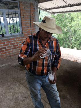 Mtro. Isidro Rodríguez, de mezcal El Trancazo
