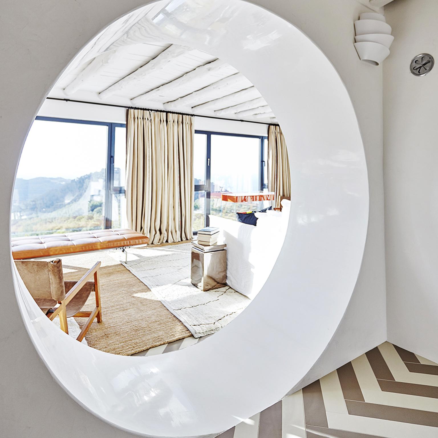 White Lucidato Polished Plaster Ibiza