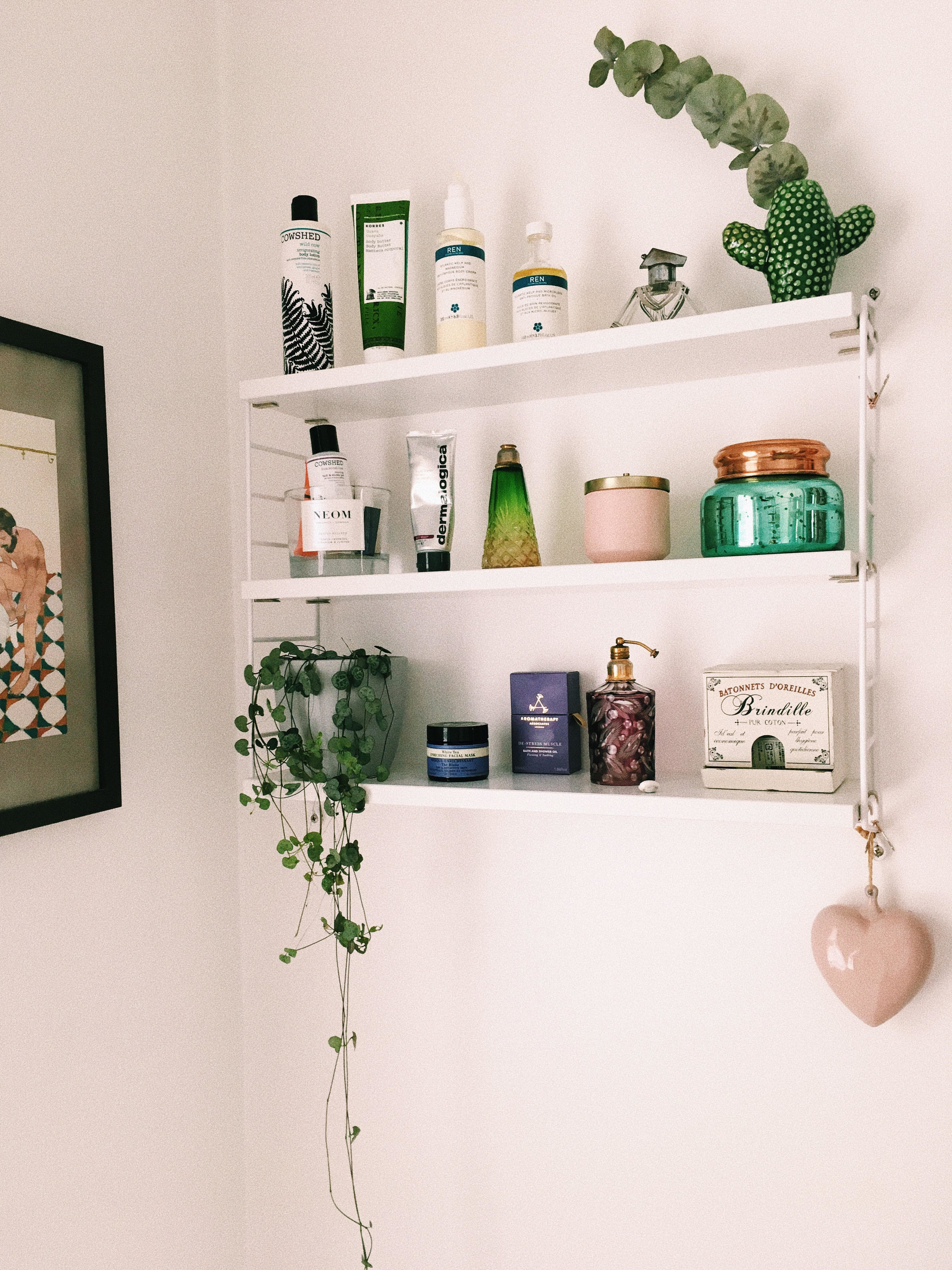 We love how perfectly the colours matching the other brands on Annabell´s String shelf :)