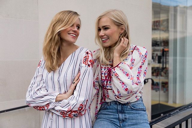 || FLOWERS & STRIPES || we are loving those warm #summer days in #london wearing light fabrics to keep us cool but yet stylish 🙂🌸☀️ picture taken by lovely @lydiaxcollins #todayweloveuk wearing loans from @goodleybullenpr @karen_millen @beulahlondon #londonlife #modellife #girls #blondies #blondes #blogger