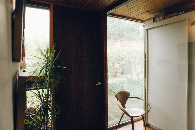 Haarkon Entrance Hall Interior Home Shadow Design Chair Modernism