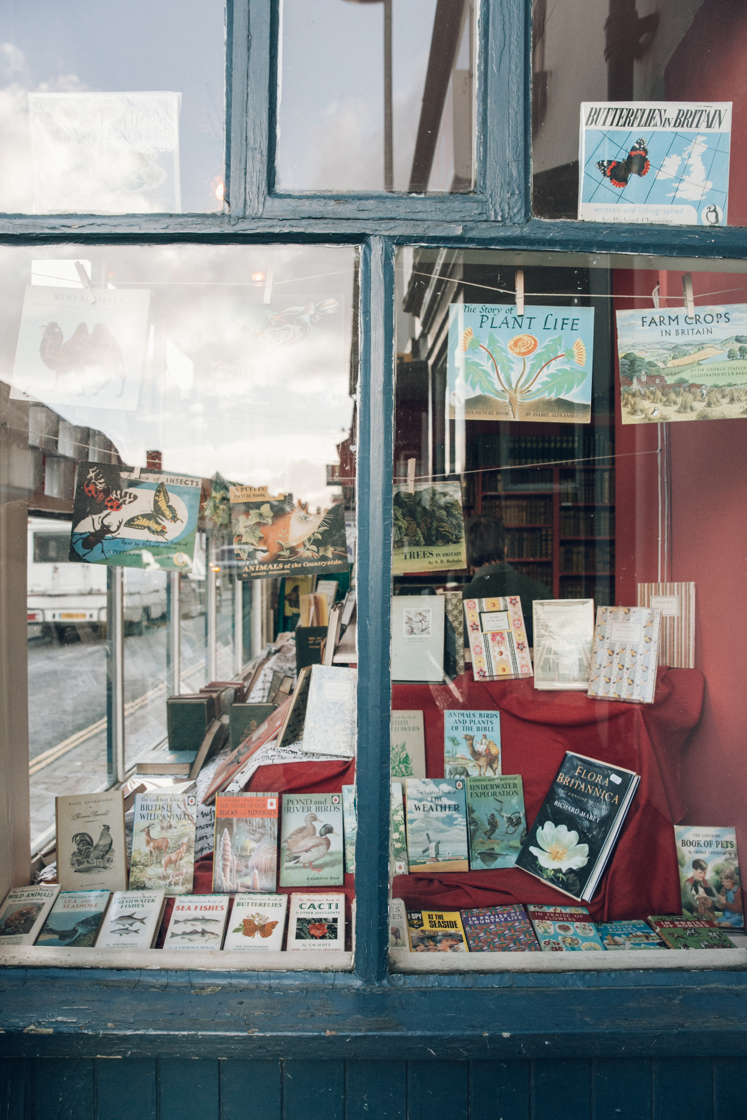 Haarkon Radnor Kington Hay Hay-on-Wye Wye Valley wales travel village books