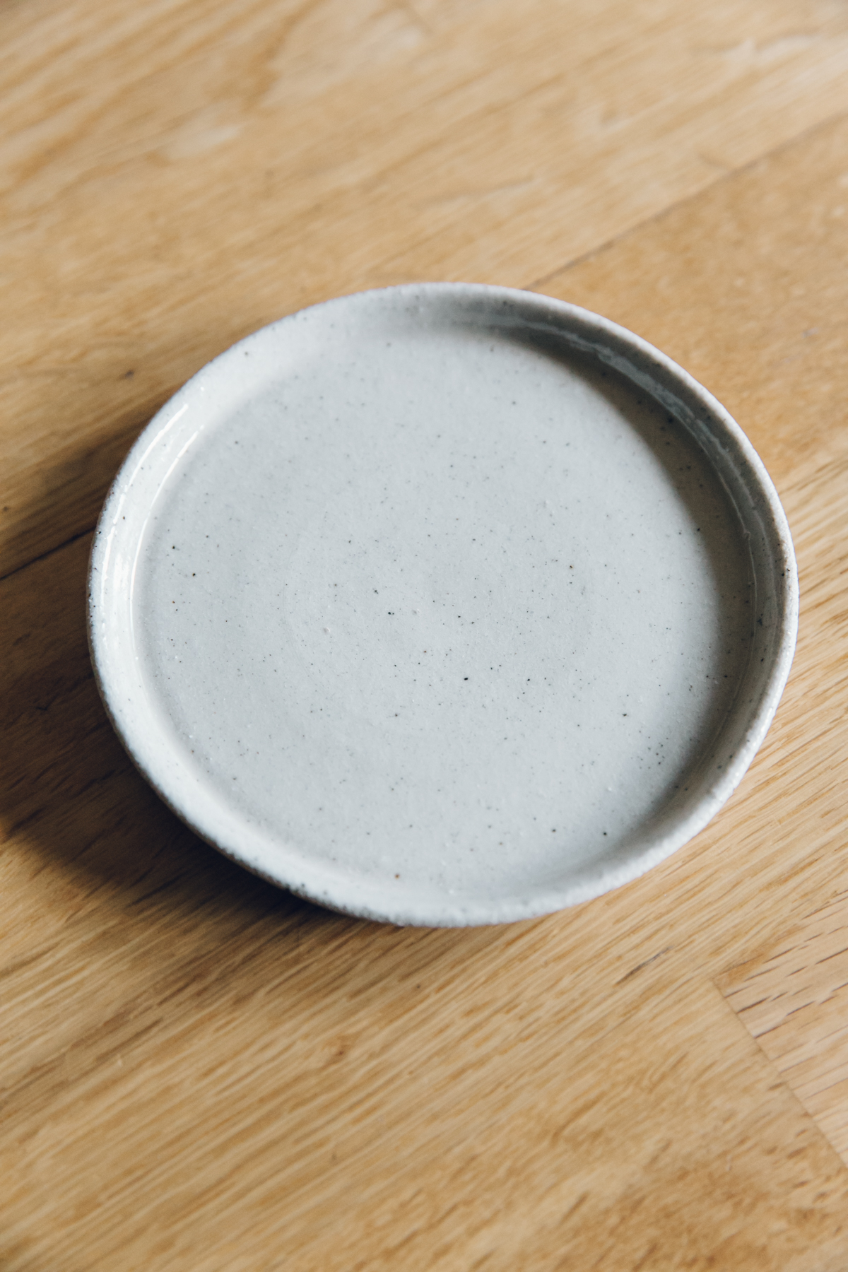 Ceramic drip tray for plant pot