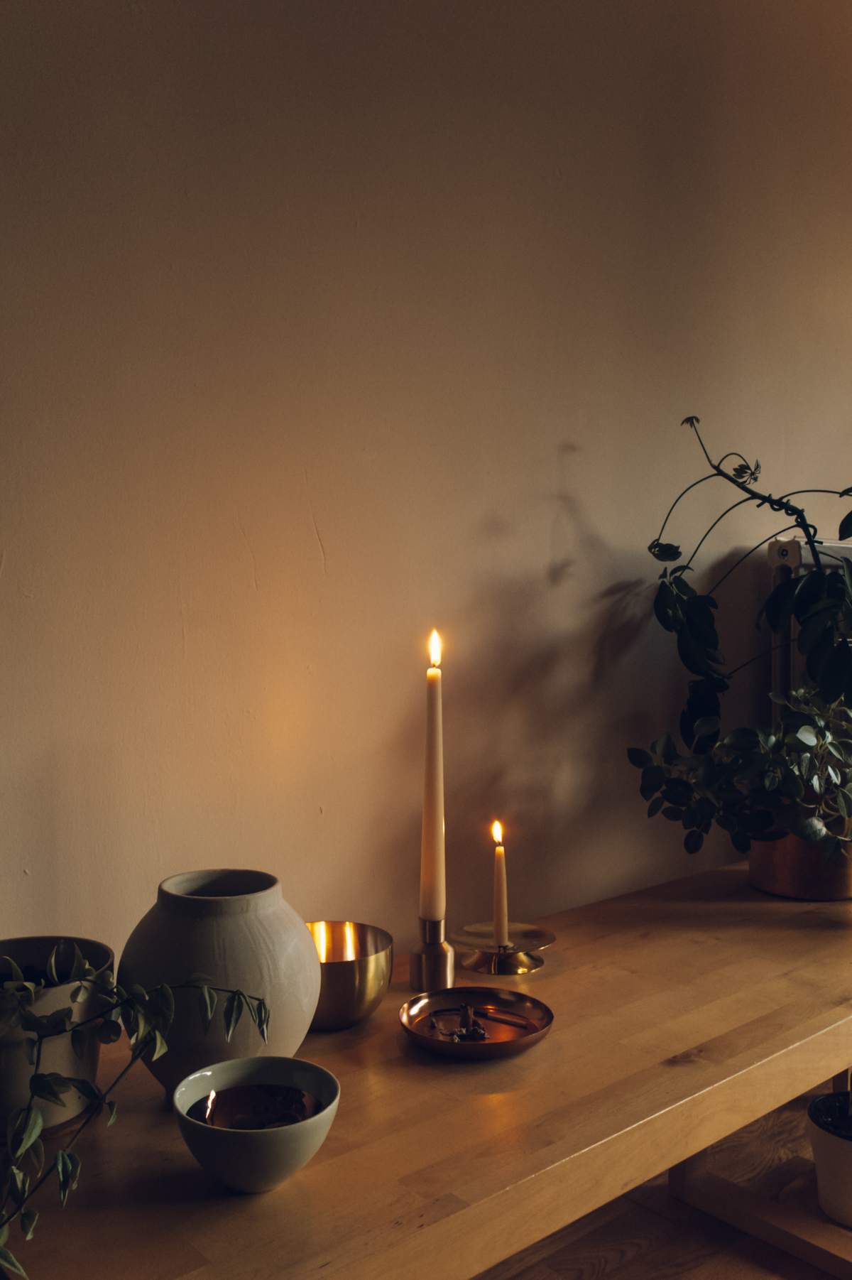 A cosy autumn candle-lit evening.