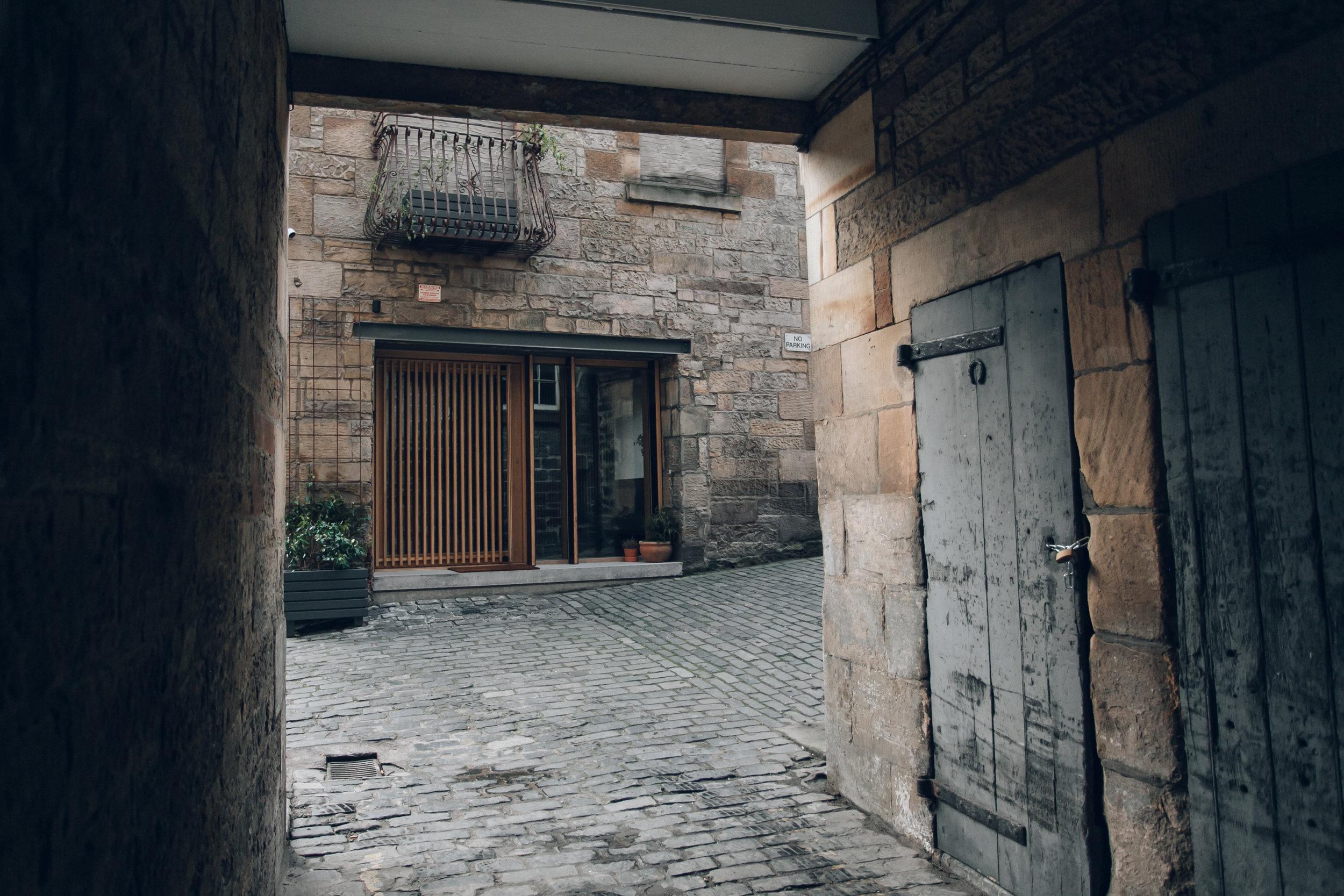 Porteous' Studio in Edinburgh by Haarkon
