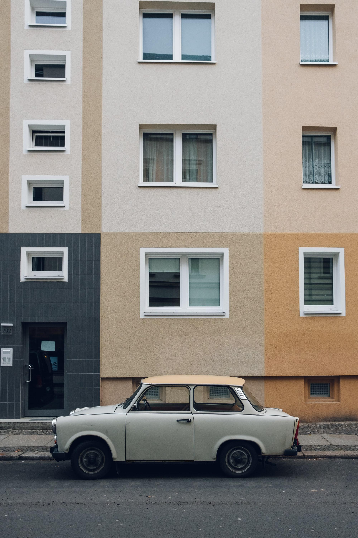 Haarkon in Berlin —a city guide.