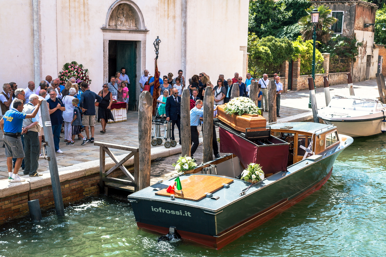 KimCarroll.com- Venice funeral-3.jpg