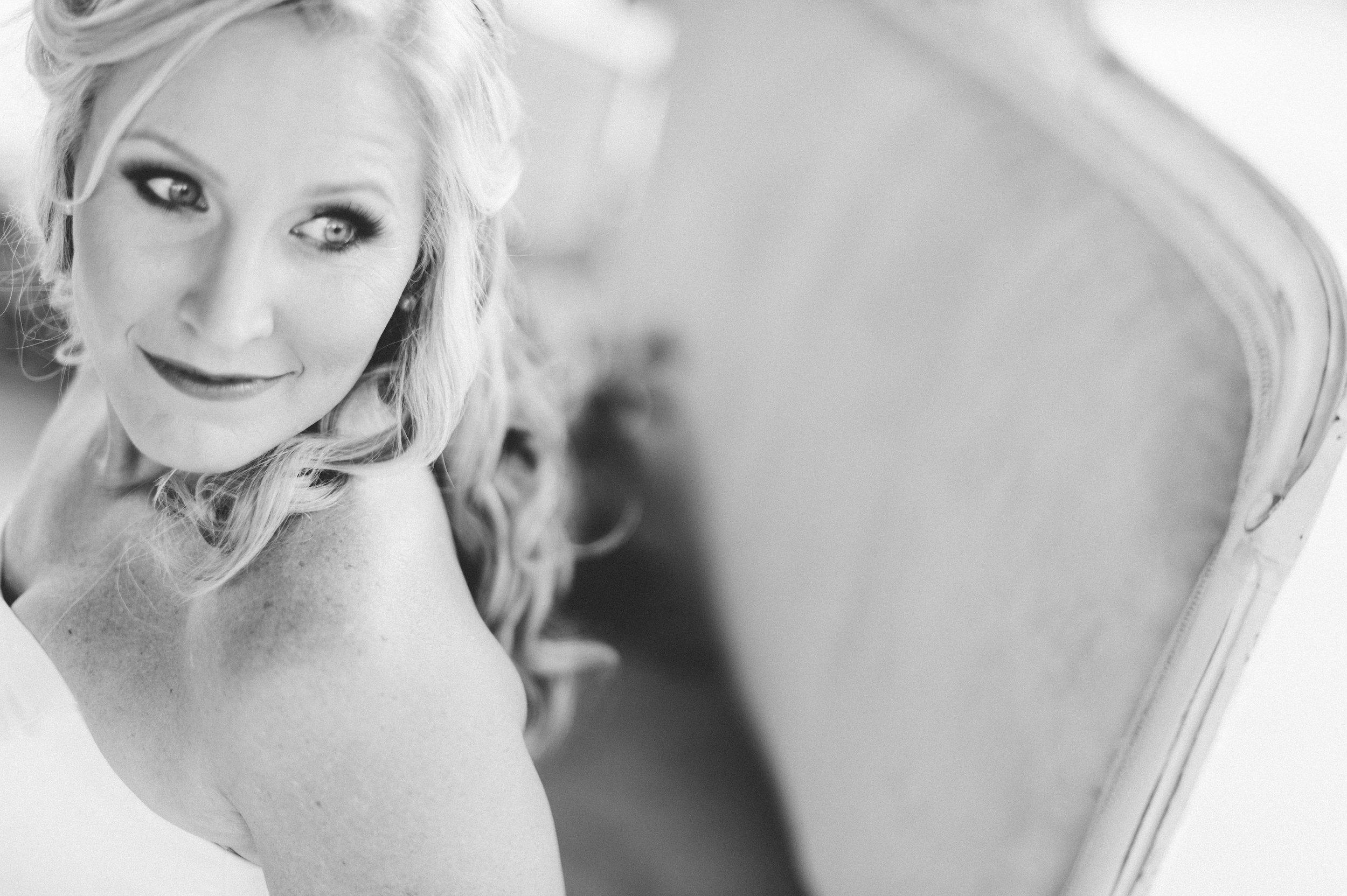 { Photographer : Jen Brazeal }          { Makeup : Naturally Flawless }