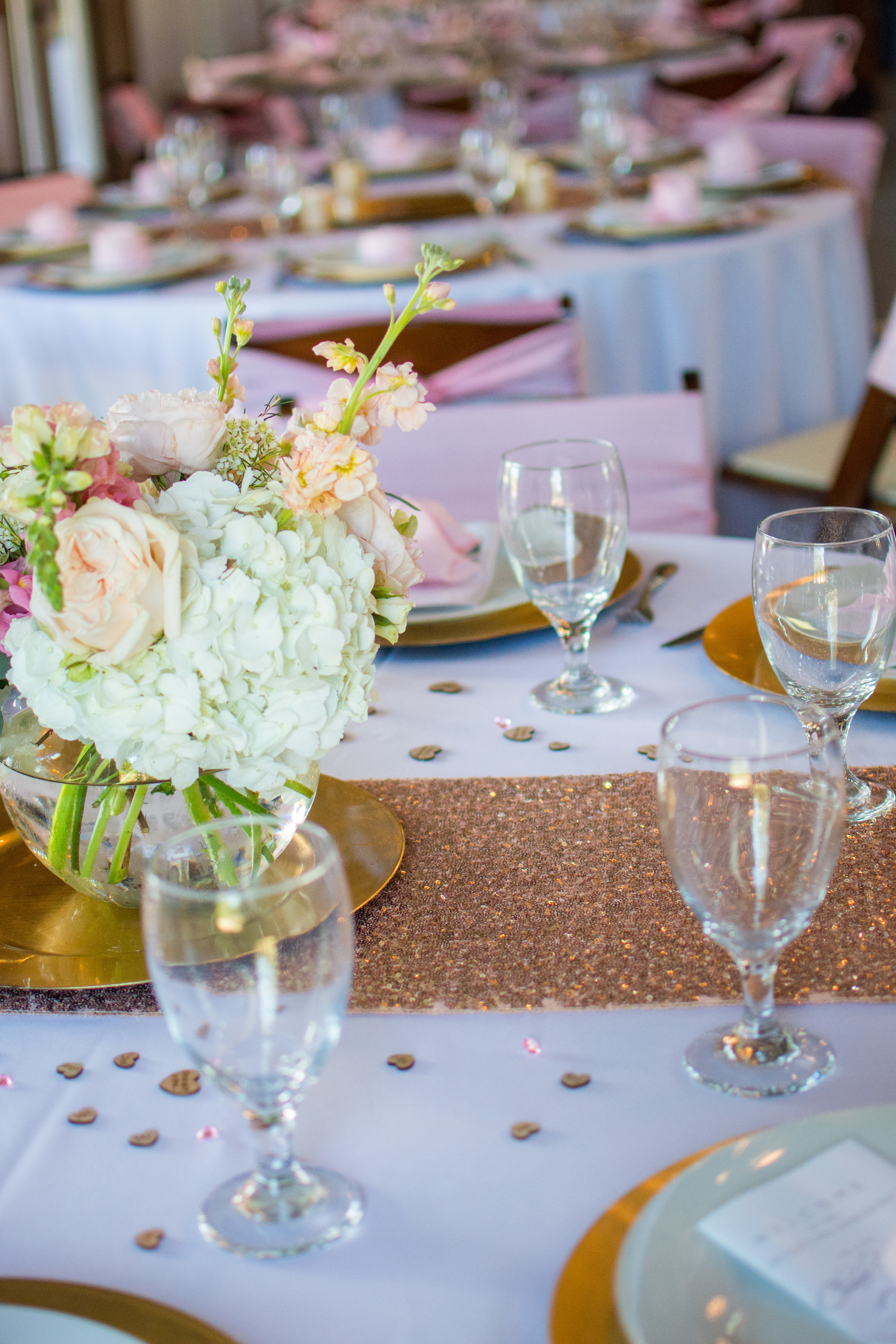 table setting wedding pink champagne