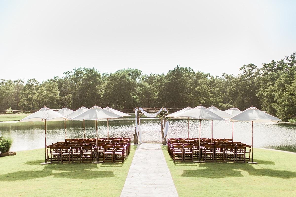 Peach-Creek-Ranch-_College-Station_Fort-Worth-Texas-Wedding-Photographer_Barbara-and-Daniel-Married_Tara-Barnes-Photography_Weatherford_0028-1.jpg