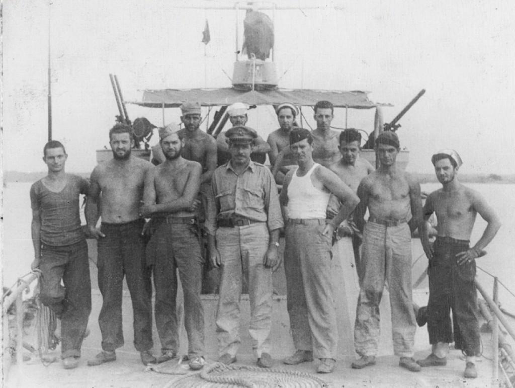 1st Lt. Walter Mess, Skipper, Center Front Row