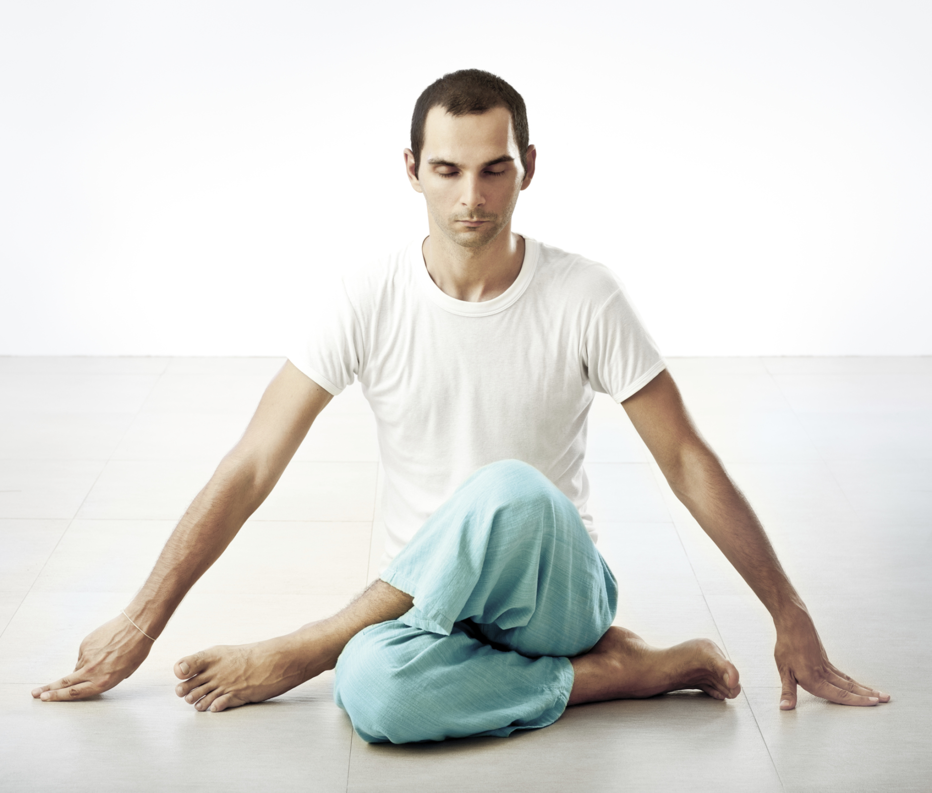 hot-yoga-for-men