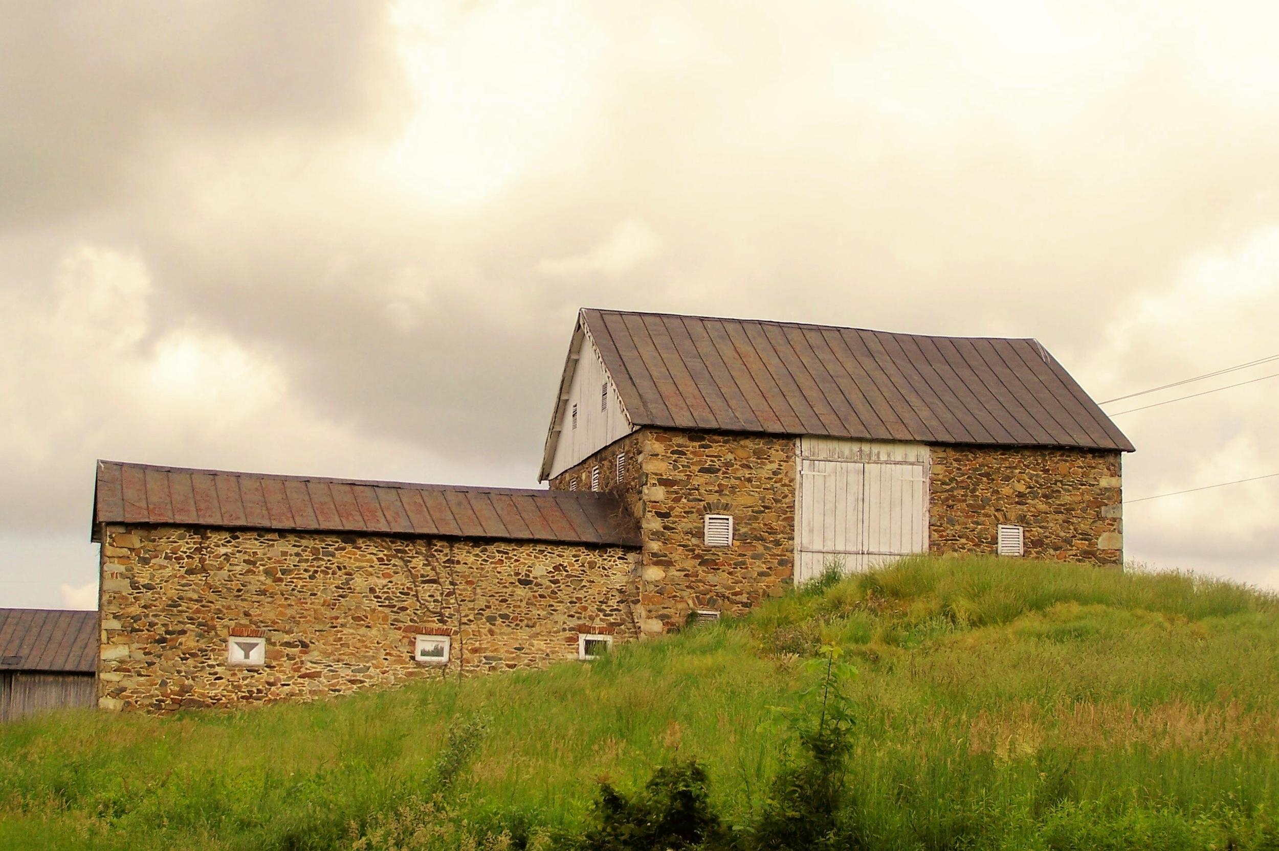 Stone bank barn near Hamilton, Loudoun County.