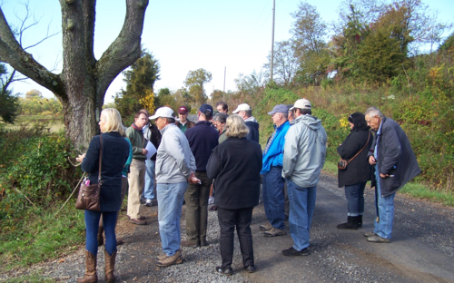 Volunteer Dennis Frye leads a tour at White's Ford, Loudoun County