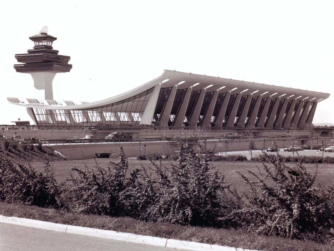 Opening of Dulles Airport.jpg