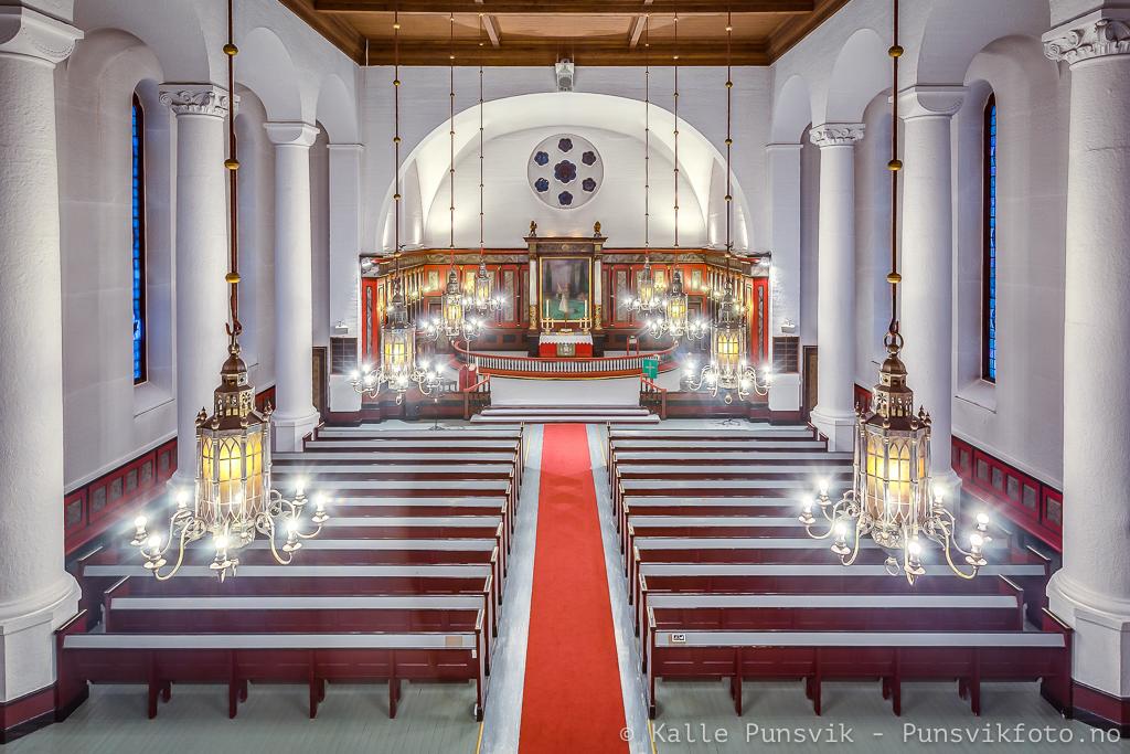 Interiør fra Narvik kirke.