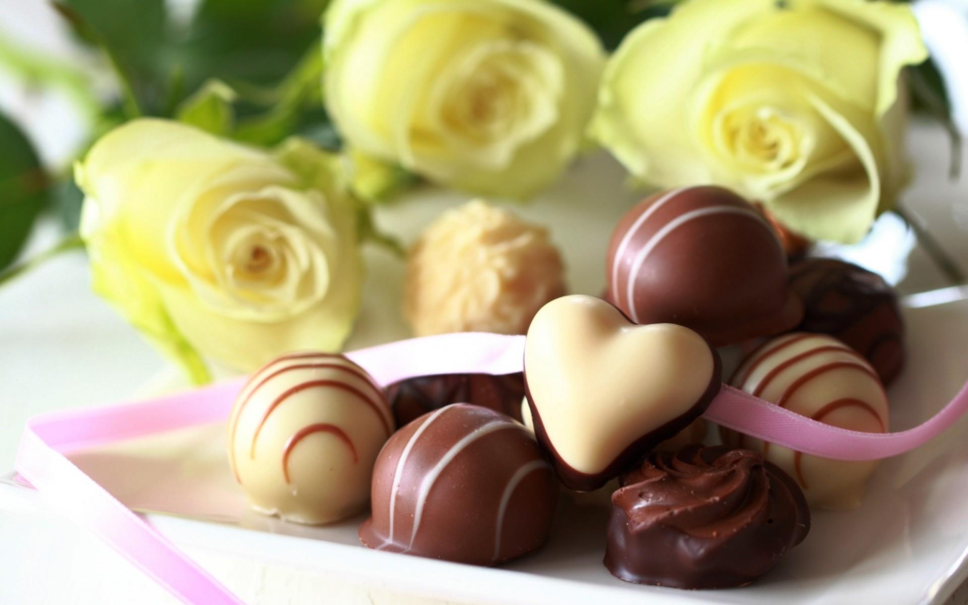 chocolate_candies_flowers_20130714_2083912993.jpg