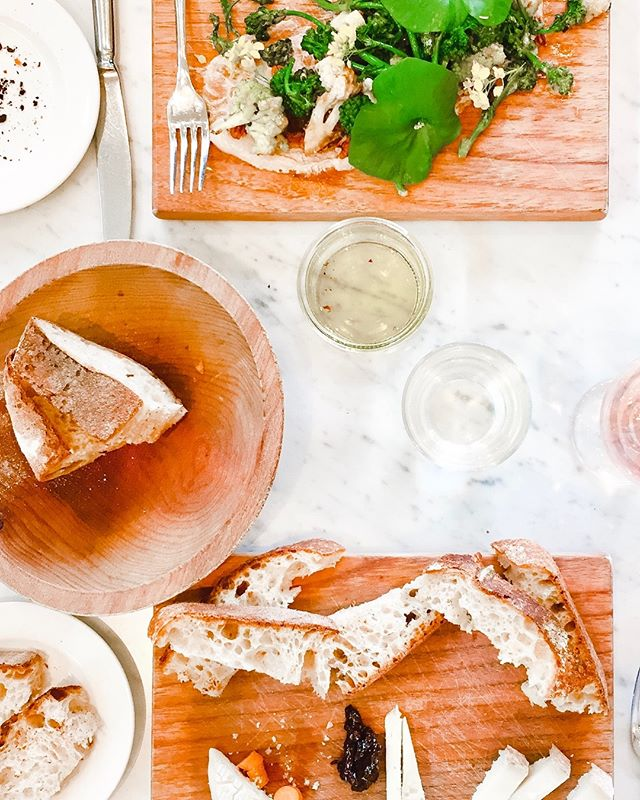 Aw, man! It's a bummer to hear about #brandswelove closing their doors. A little north of Sonoma, CA, @healdsburgshed was a stunning 10,000 square foot cafe, fermentation bar, retail and events space. Besides their oh-so-pretty take on dining (see above pic from our own visit), they had the dreamiest displays of cookware and ingredients. So lucky for all of us, they're still continuing as an online-only retail shop for the house, pantry and garden. Biiiig sigh of relief. By the way, the SHED Green Salt from their subtly branded pantry line is a perfection. The green-hued blend of parsley, bay leaves, thyme, and Jacobsen salt makes is just the loveliest final touch to plating... and if you like to display your spices on open shelving, you will 100% be tempted to buy one of each flavor. . . . #designnotdefault #sonoma #shopcalifornia #graphicdesigner #foodie #californiabrands #entrepreneurlife #shedhealdsburg #graphicdesign #branddesign #creativityfound #createcultivate #dowhatyoulove #loveyourwork #passionproject #thehustle #communityovercompetition #makeithappen #designerlife #thehappynow #creativeminds #smallbusinesses #smallcompanies #smallcompany #brandevolution #rebrand #designnotdefault #branding #darlingdaily