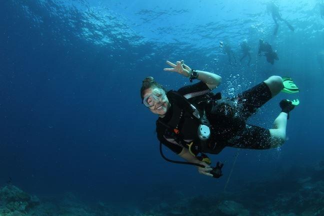 Bec Johnson - Perth, Western Australia - Diving, MTB, Swimming & Sailing