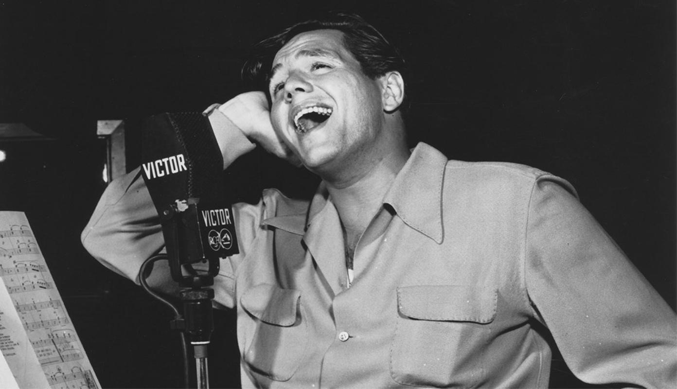 Desi Arnaz (1945)