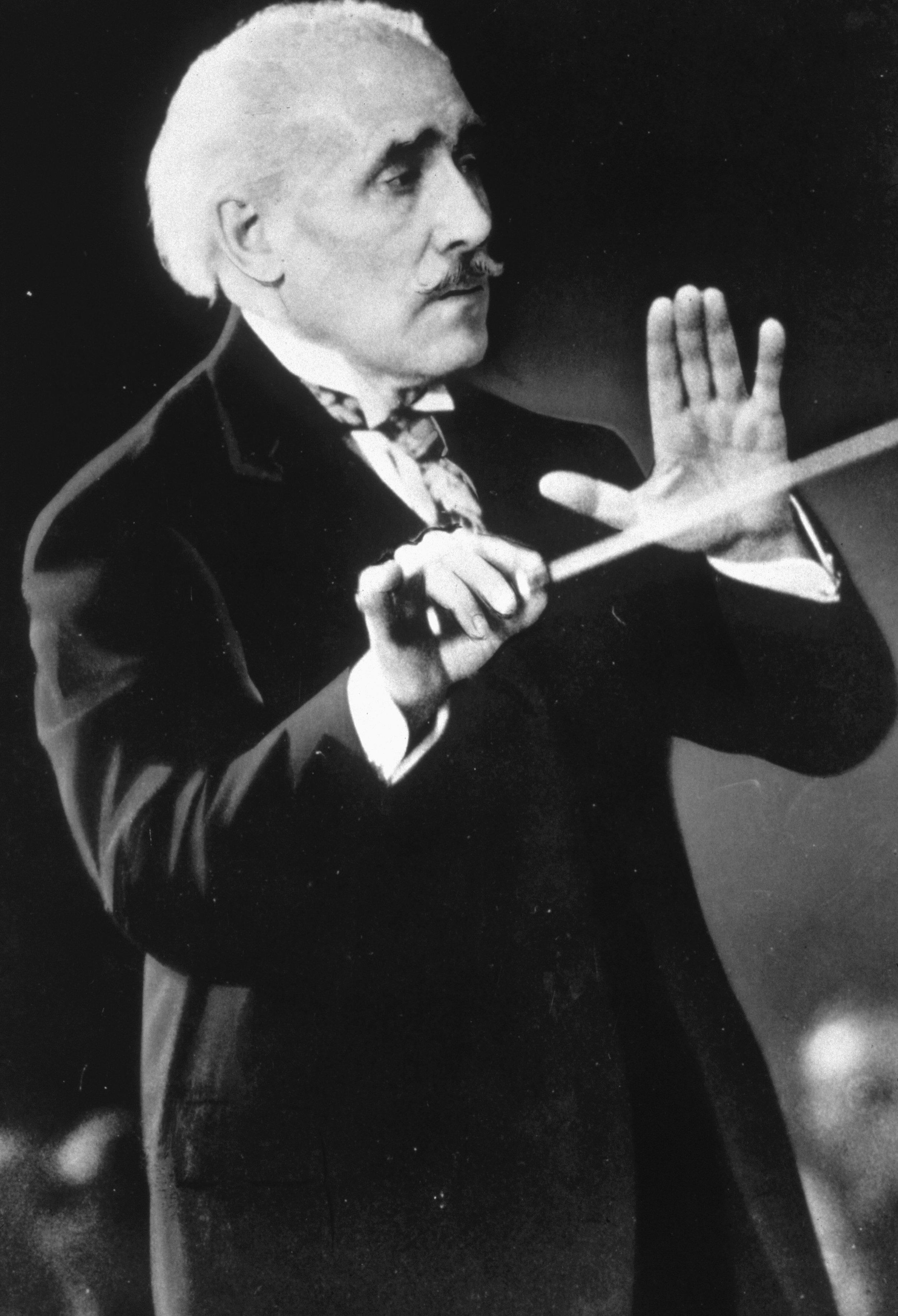 Arturo Toscanini (1920-1945)