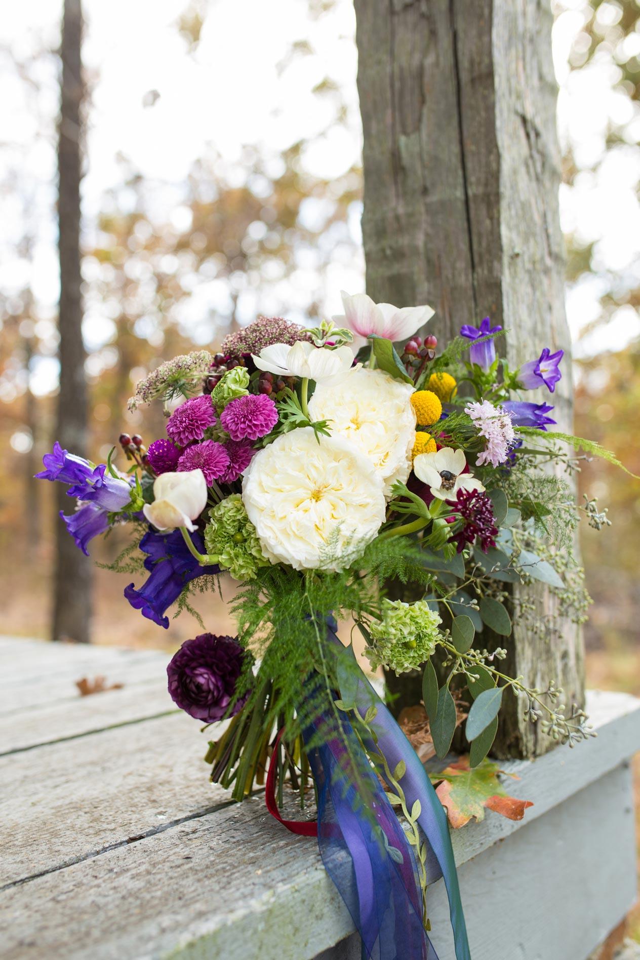 Rustic-Whimsical-Wedding- Tulsa-Wedding-FloristRobyns-Flower-Garden_Mallory-Hall-Photography08.jpg