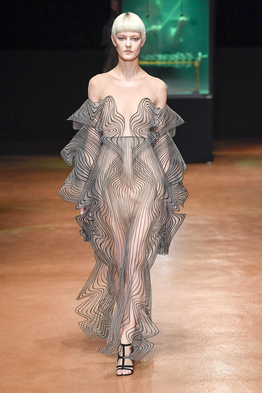 Iris Van Herpen 2017 Fall Couture show
