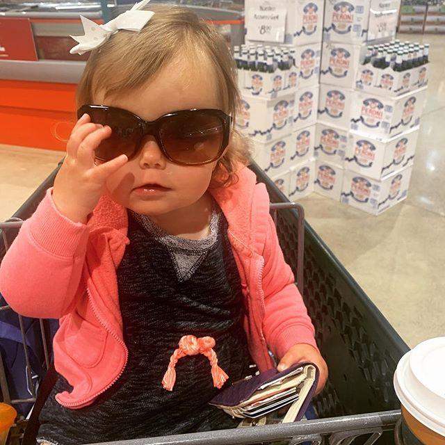 Coffee...money...sunglasses...gotta love this one. #alwayswantstobelikemommy ⠀⠀⠀⠀⠀⠀⠀⠀⠀ #outsource #balanceiseverything #werkingmama #werkwerkwerk #momswhowork #maternityleaveover #balanceisbullshit #findyourbalance #nevernotamom #makeworkworkforyou #liveworklead