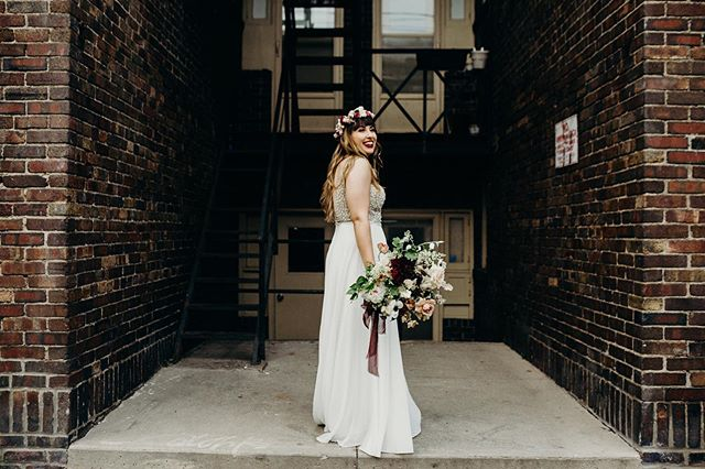 Maria having fun with her dress & an her gorgeous bouquet from @huntandgatherfloral 🖤  @popupchapel.ca . Remember your only job is to look great and have fun in your wedding day ☝️. . . . . . . . #torontoweddingphotographer #ontariobrides #canadianwedding #popupchapel #junebugweddings #huffpostwedding #documentaryphotography #torontoweddings #thedrakehotel #thedrakehotelwedding #elopementlove #elopmentcollective #authenticlovemag #kleinburgwedding #muskokaweddings #