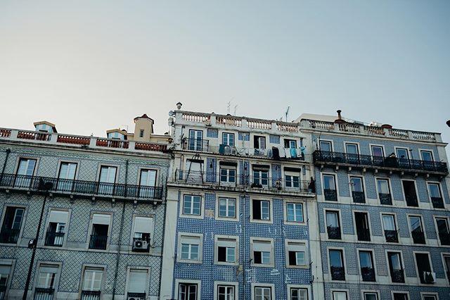 The most enjoyable part of being is Lisbon was exploring these streets full of history . Lisbon you are amazing 🖤. . . . . . #junebugweddings #lisbonweddingphotographer #lisbon #travel #algarveblogger #europetravel #lisbonportugal #passionpassport #