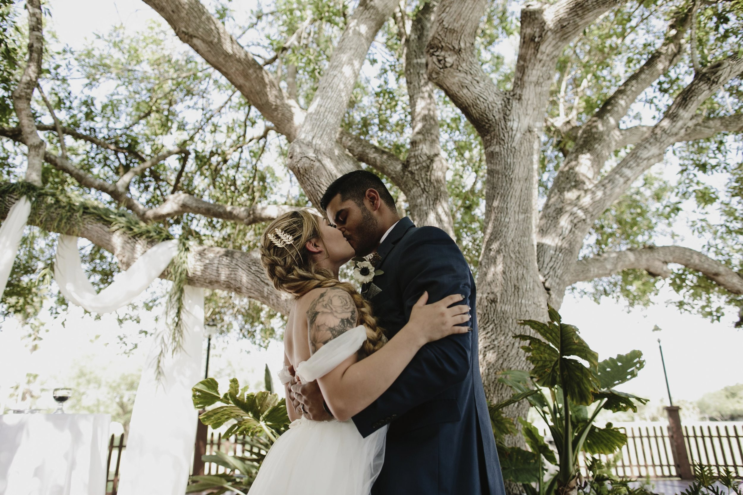 alfonso_flores_destination_wedding_photography_rancho_la_pergola_brownsville_texas39.jpg