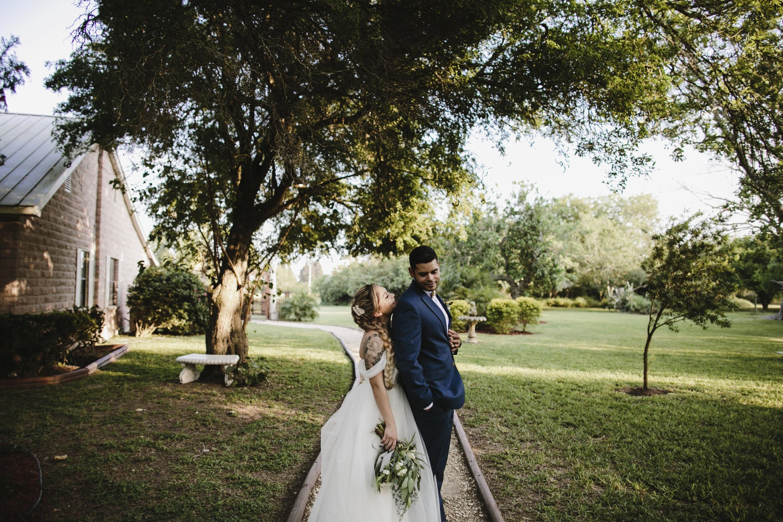 alfonso_flores_destination_wedding_photography_rancho_la_pergola_brownsville_texas_3.jpg
