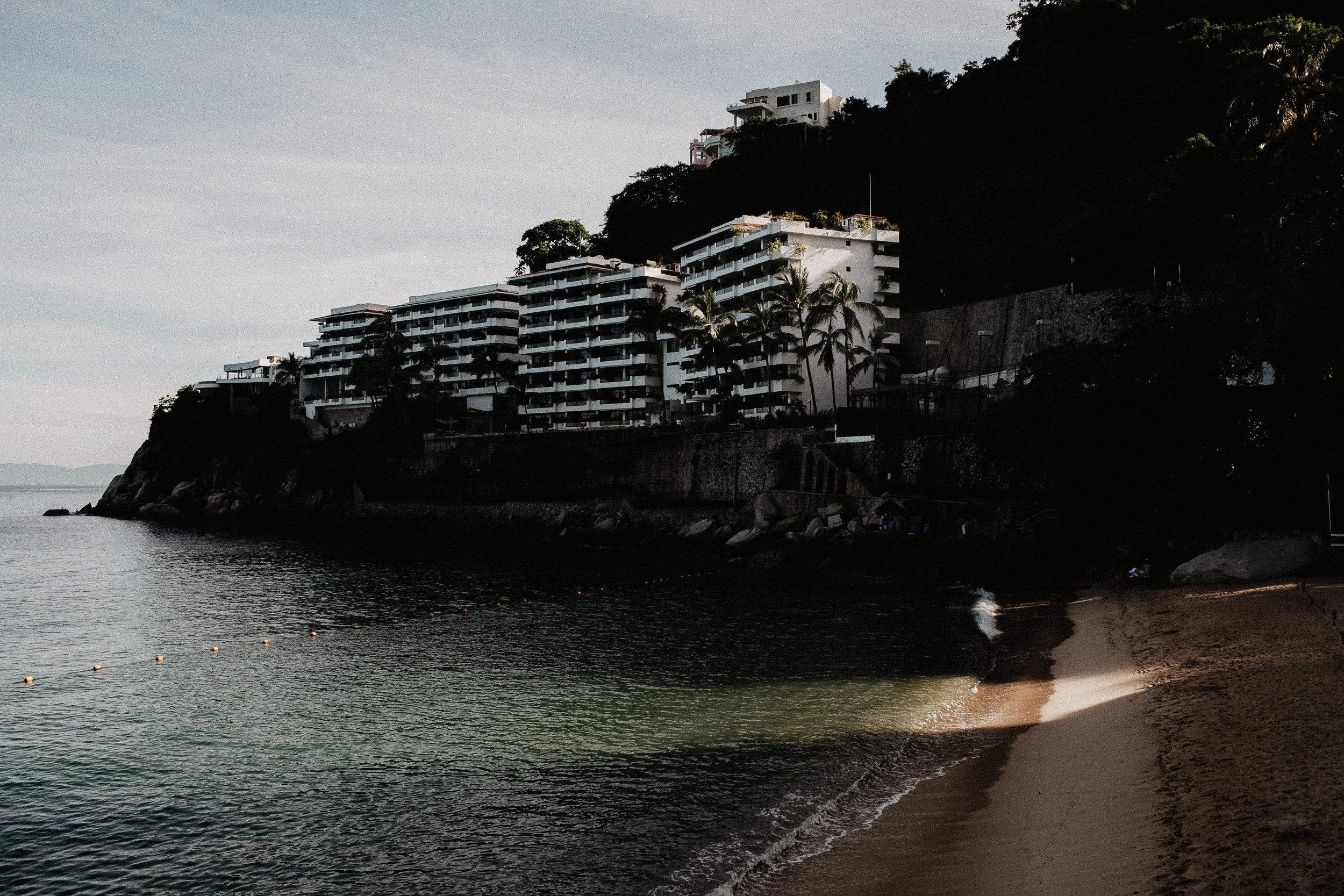alfonso_flores_destination_wedding_photography_puerto_vallarta_hotel_barcelo_vallarta_cuttler_amela-36.JPG