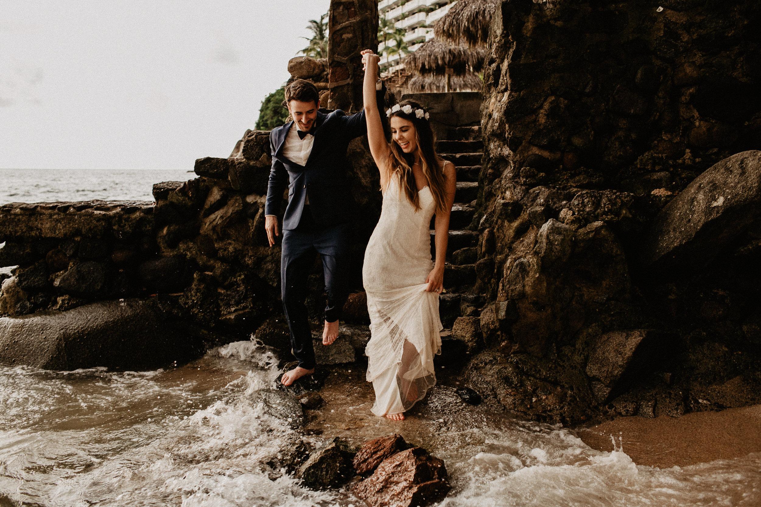 alfonso_flores_destination_wedding_photography_puerto_vallarta_hotel_barcelo_vallarta_cuttler_amela-758.JPG