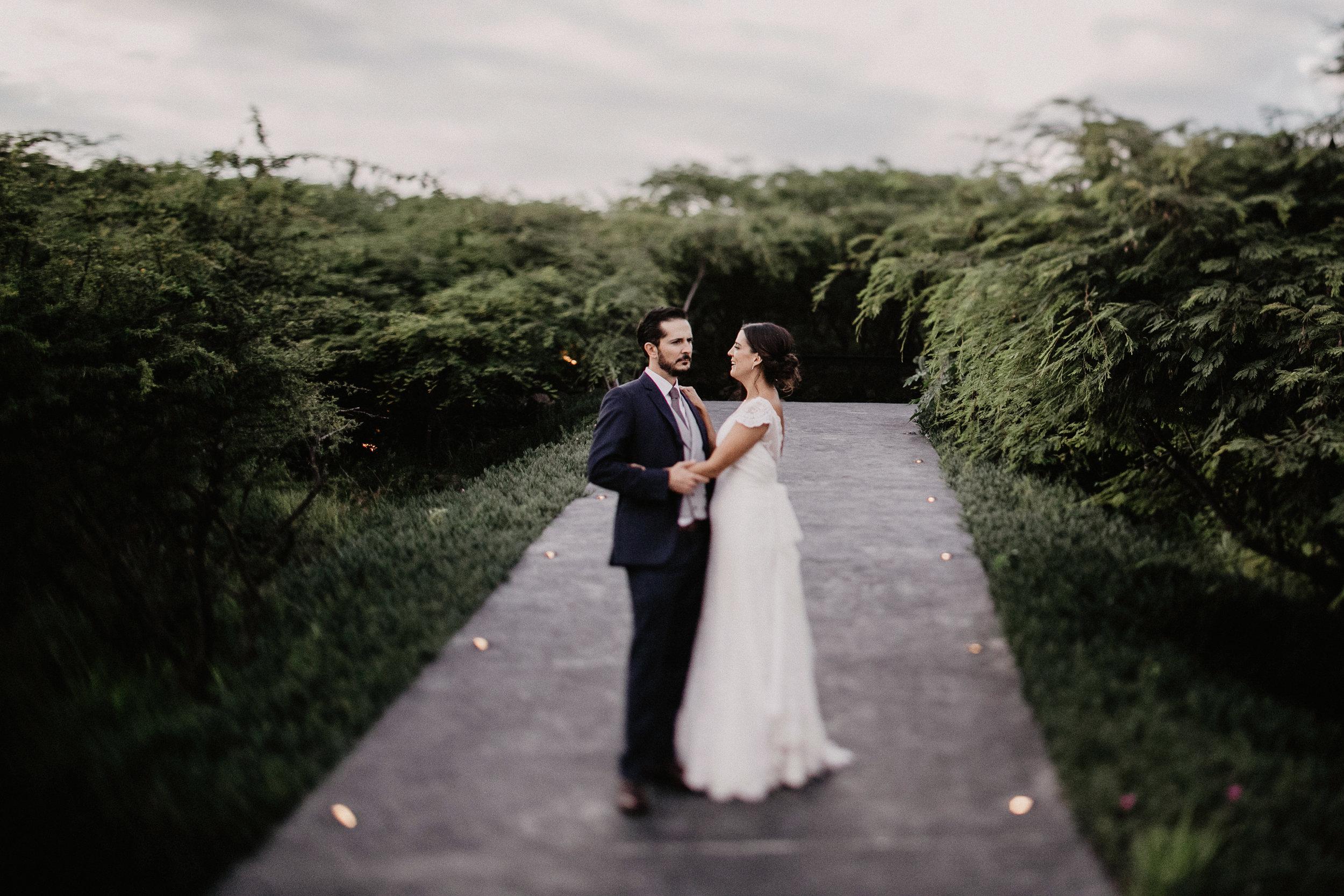 alfonso_flores_destination_wedding_photographer_pau_alonso_1024.JPG