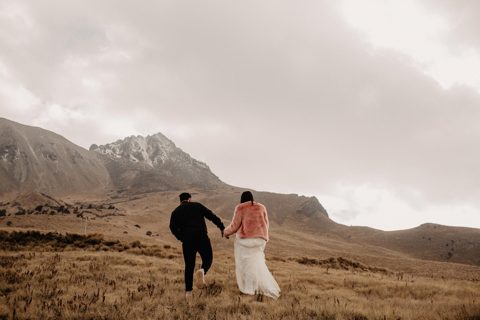 alfonso-flores-fotografo-de-bodas-nevado-de-toluca-sesion-de-pareja107.jpg