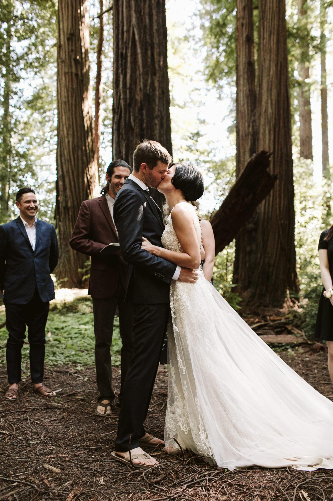 California-wedding-photographer-alfonso-flores-pamplin-groove-207.jpg