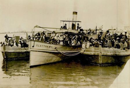 המגורשים מארץ ישראל בהגיעם למצרים, 1915