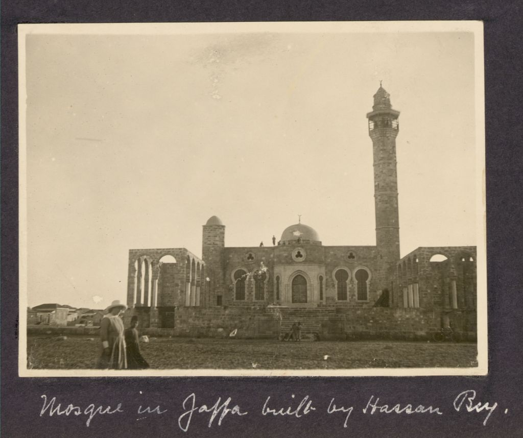 מסגד חסן בק עם השלמתו, 1917