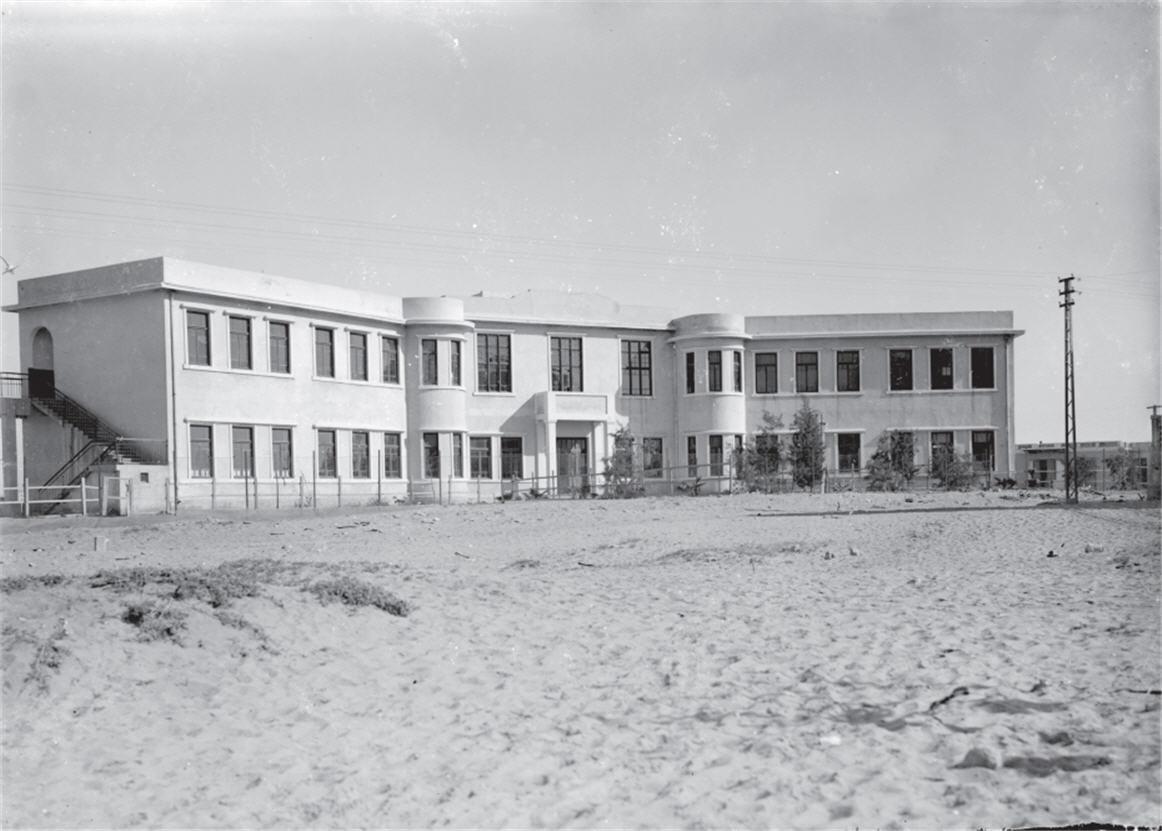המבנה הראשון בבית ספר תל נורדאו - בסגנון האקלקטי