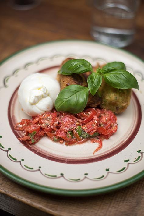 Les Amis Des Messina   /  Italian   Restaurant  / 204 Rue du Faubourg Saint-Antoine, 75012