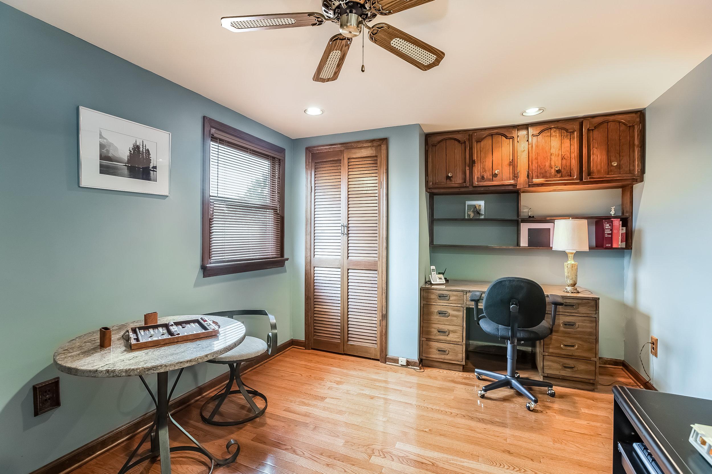 048-Bedroom-4932696-large.jpg