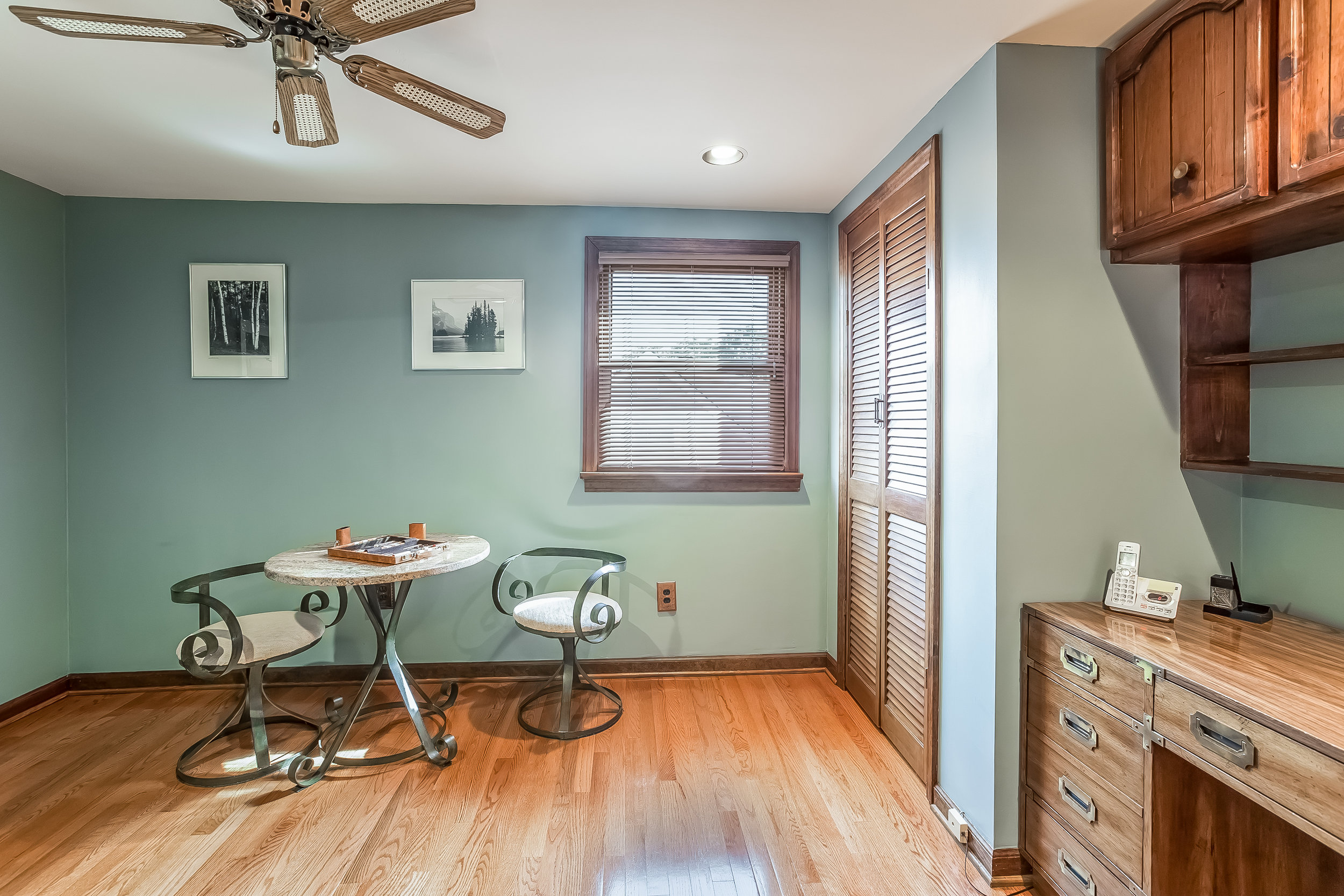 054-Bedroom-4932688-large.jpg