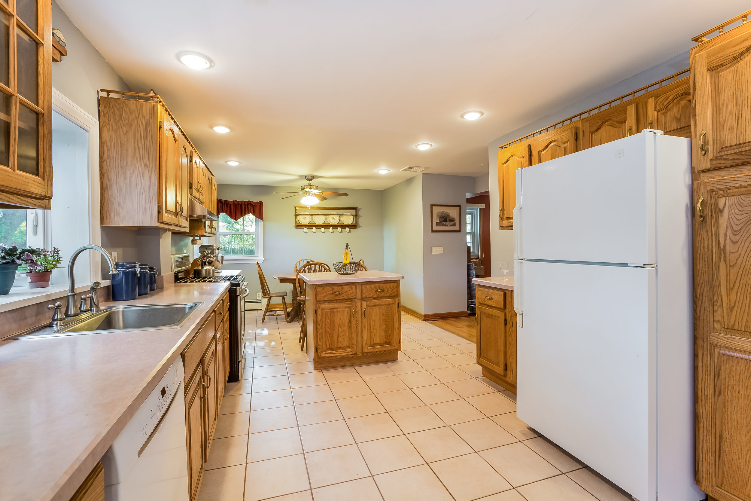 017-Kitchen-5002144-large.jpg