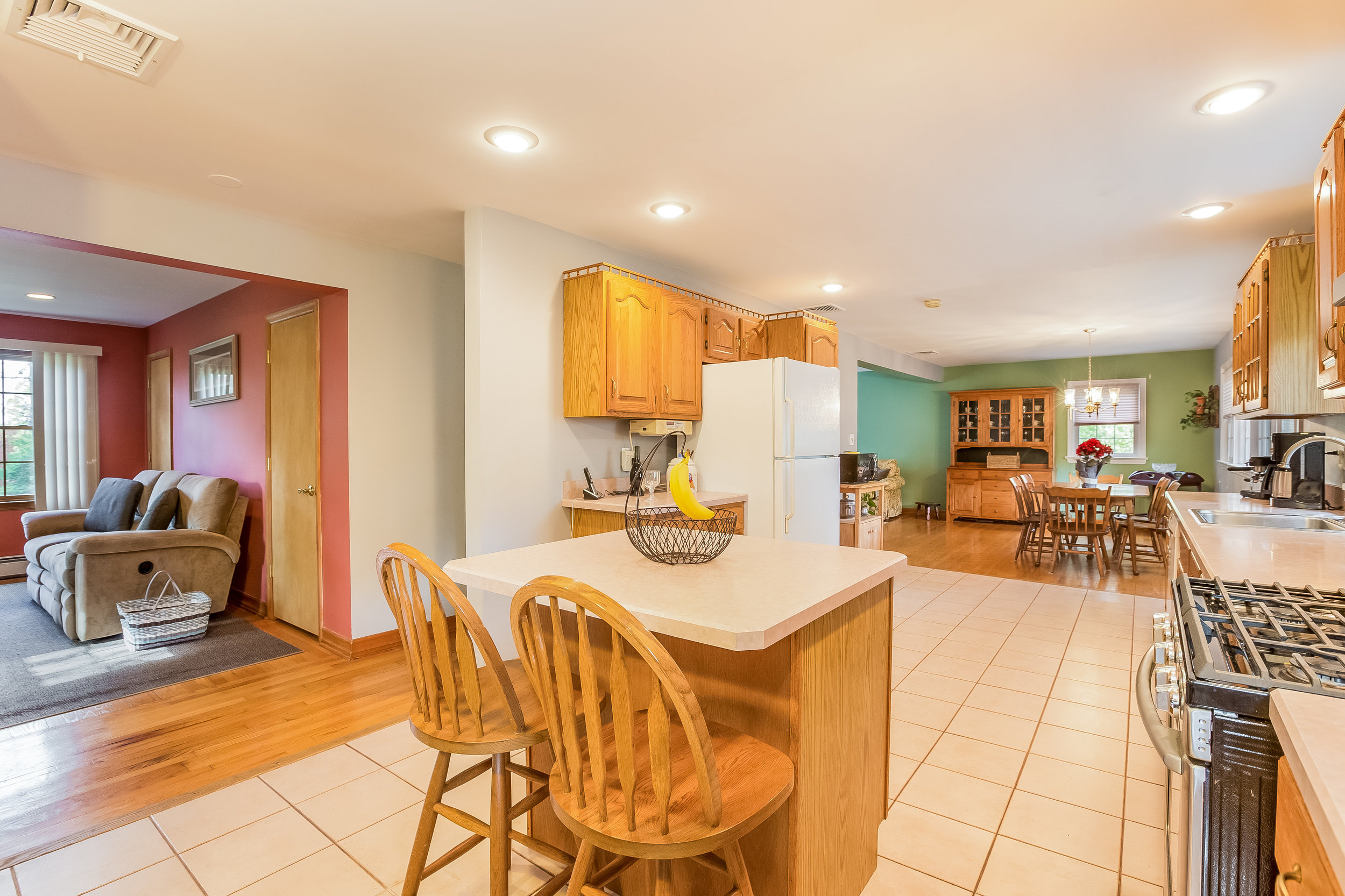 020-Kitchen-5002155-large.jpg