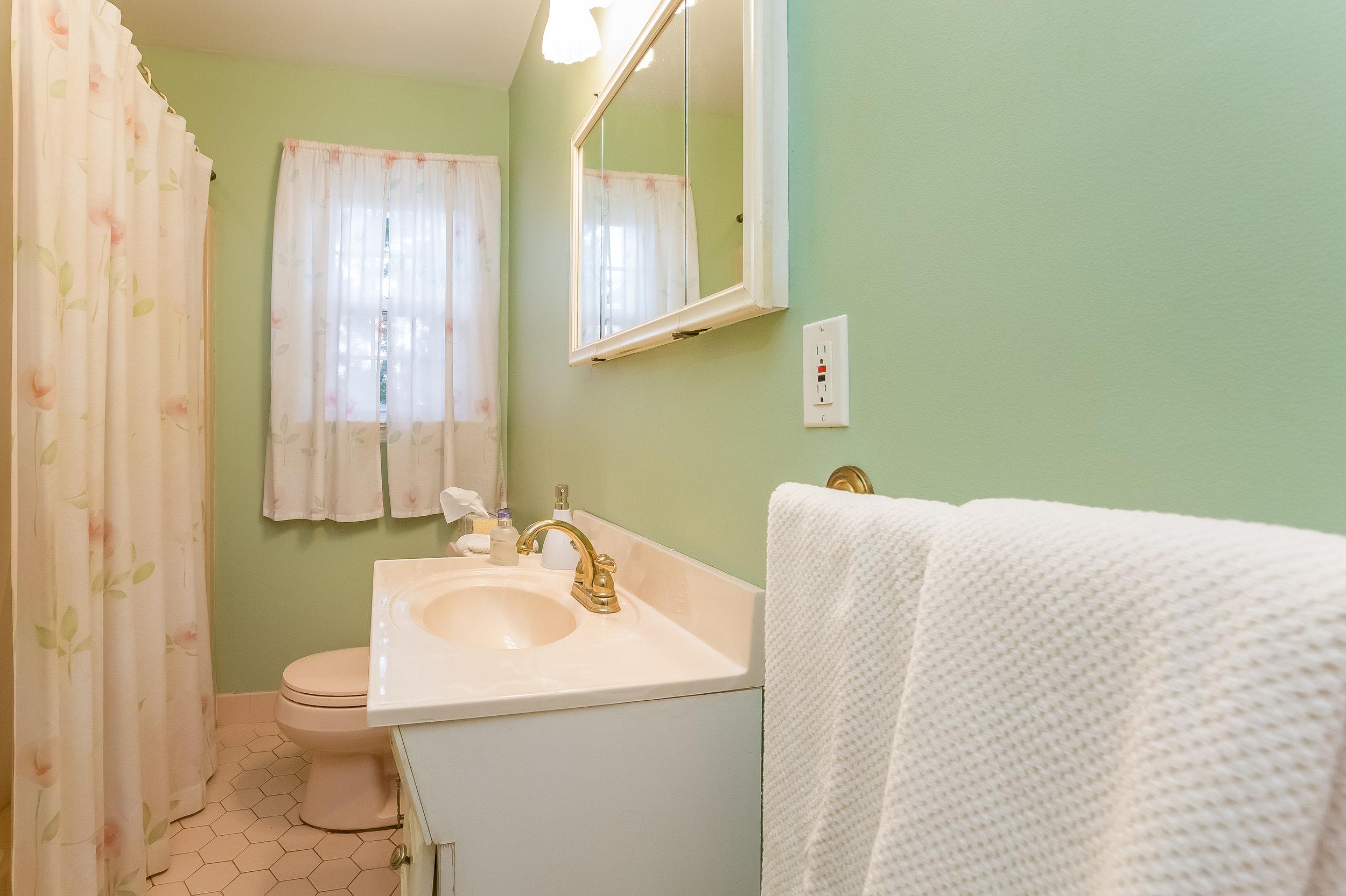 024-Bathroom-5002137-large.jpg