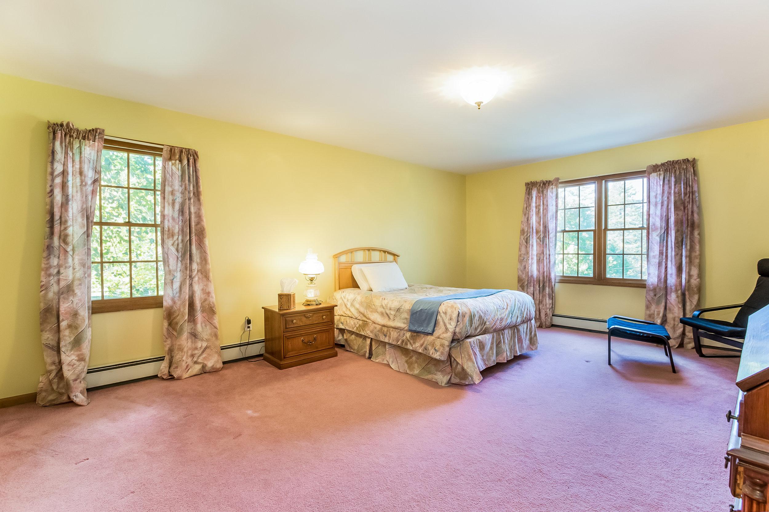 029-Master_Bedroom-5002173-large.jpg