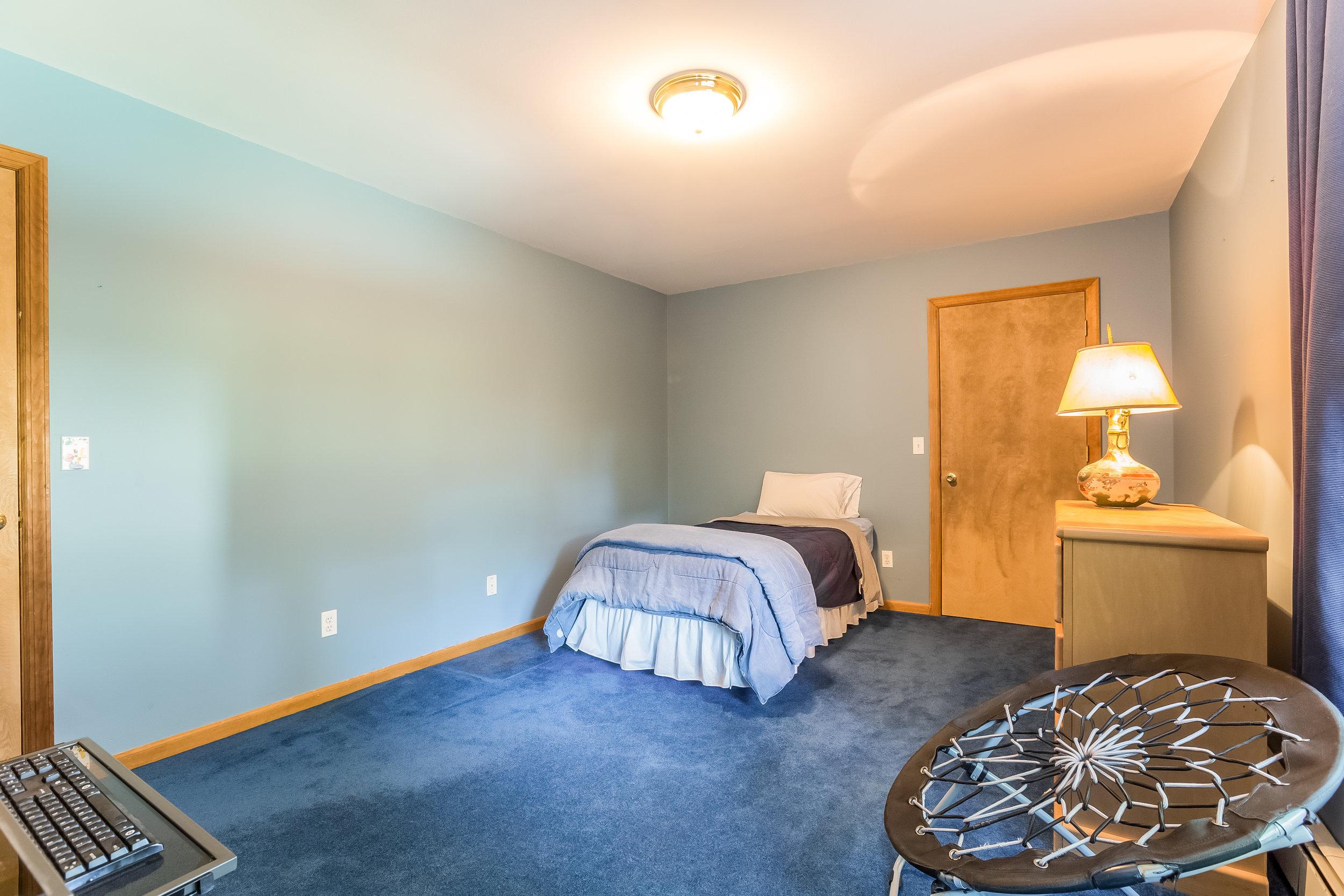 035-Bedroom-5002172-large.jpg
